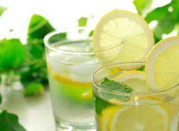 Пить воду сразу после пробуждения