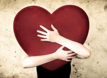 Влюбленность как средство убежать от себя и от страха.