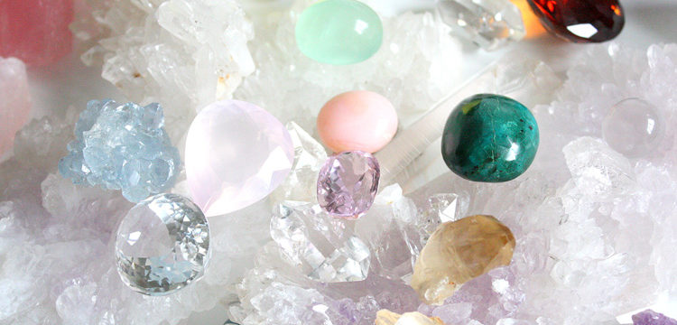 Драгоценные и полудрагоценные камни. Минералы и их значения.